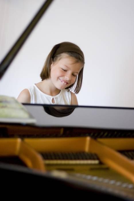 Gemeinsames Konzert. Klavierschüler von Yuko, Mila und Judit, Figaro Mainz, 05. Juli 2009