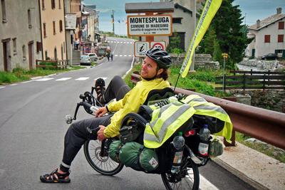 Nyolc-Ország-Fekvőbicikli-Túra. Terhesen és terhekkel az Alpokon át 2010 nyarán.