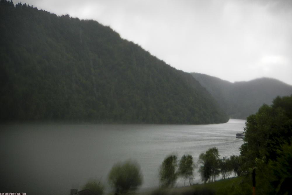 Regenradeln an Isar und Donau, Mai 2014.